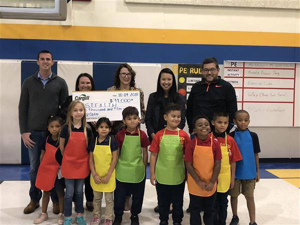 Cargill Cares grant helps teach students how to cook