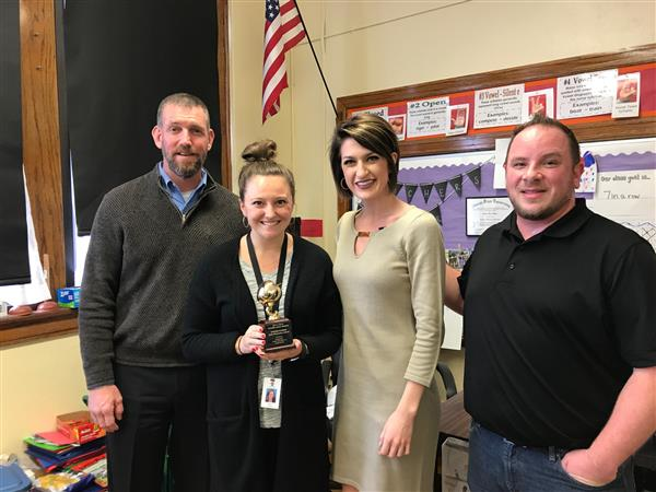 Taylor Scheer wins Golden Apple Award