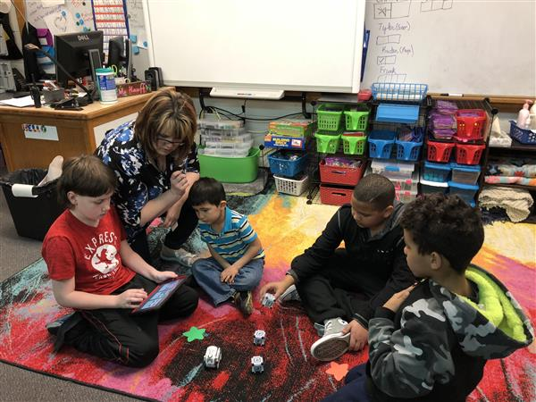 Greiffenstein/Wells teacher uses Education EDGE grant to foster creativity