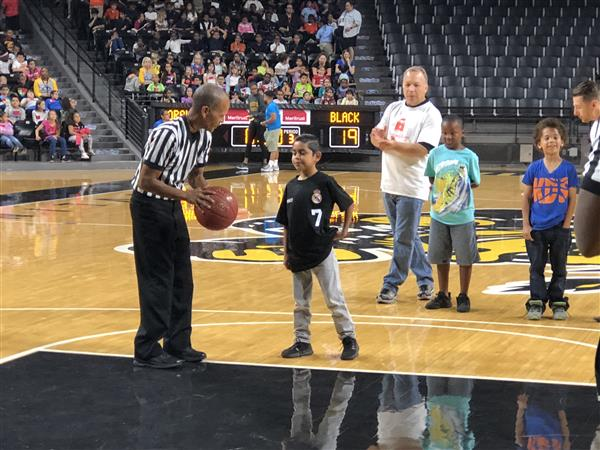 Video: Third grade students attend Hoops 4 Literacy event at WSU