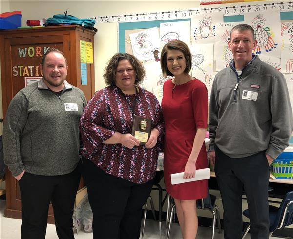 College Hill teacher Aimee Hampel wins KAKE Golden Apple Award