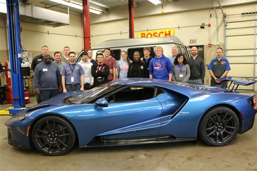 Ford partners give South auto tech students to see brand-new vehicles