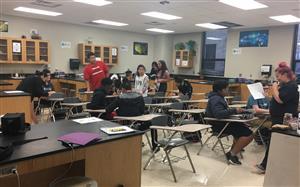 Southeast High Freshman Mentoring Program Helps Students Acclimate